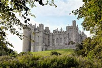 Arundel (Castle, Cathedral, Shops & Sights)