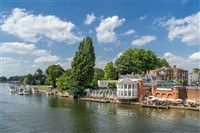 Kingston Upon Thames (Scenery, shops & sights)