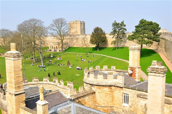 Lincoln (Castle,Cathedral,Quayside,Shops & Sights)