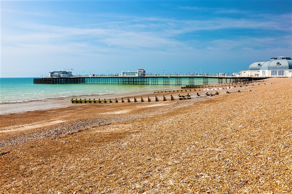Worthing (Gardens, Sand, Sea & Shops)